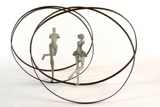Carolina Rodriguez; Los Optimistas, 2008, Original Sculpture Bronze, 64 x 64 cm.