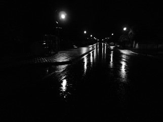 Einav Zilber; Night, 2015, Original Photography Black and White, 70 x 72 cm.