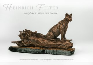 Heinrich Filter; Leopard, 2013, Original Sculpture Bronze,  15 cm. Artwork description: 241  Leopard in bronze, length 27 cm x height 15 cm inclusive of base; limited edition of 24 ...