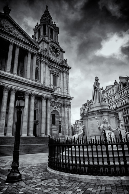 Barry Hurley  'The Lady Of St Pauls', created in 2018, Original Photography Black and White.