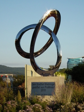 Steel Sculpture by Wenqin Chen titled: Infinity Curve No3, 2006