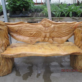 Eagle Head Bench