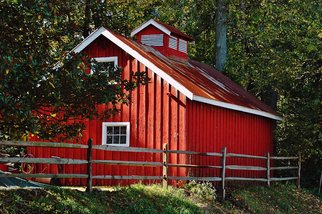 Artist: Daniel B. Mcneill - Title: The Red Barn - Medium: Color Photograph - Year: 2011