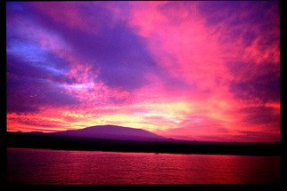 Artist: Daniel Rabinovich - Title: Anaeohomalu Bay, Hawaii sunset - Medium: Color Photograph - Year: 2002
