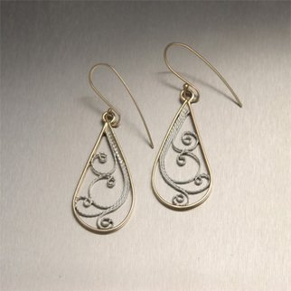John Brana Artwork 14K Gold Drop Filigree Earrings, 2008 Metalsmith, Fashion