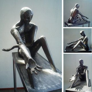 Juan Pablo Cima Artwork In god we trust, 2011 Steel Sculpture, Figurative