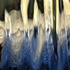 Luise Andersen Artwork UNDER THE SPELL MIG IV of Light Water Movement, 2013 Color Photograph, Abstract