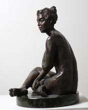 - artwork Lady_Charm-1299690873.jpg - 2010, Sculpture Bronze, Figurative