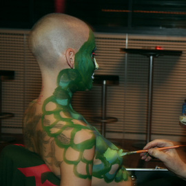 BODY ART PAINTING PERFORMANCE