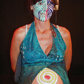 BODY ART PAINTING PERFORMANCE PALEO