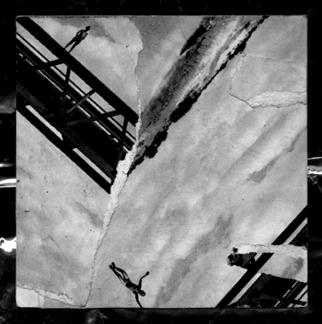 Collage by Mos Riera titled: Esta vida no es un juego aunque este juego es la vida, 2008