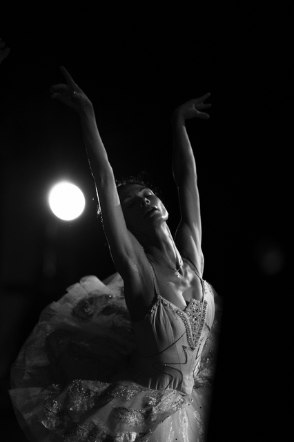 Yulia Nak: white swan  russian ballet, 2016 Black and White Photograph