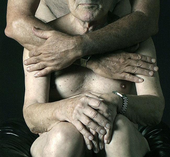 nude-hug-pics