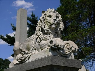 Artist: Robert Reinhardt - Title: Laurel Hill Lion - Medium: Color Photograph - Year: 2009