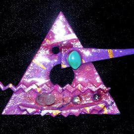 pyramid pin ornament By Richard Lazzara