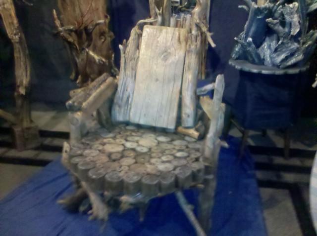 Asa Wood Artwork Bird Back Chair